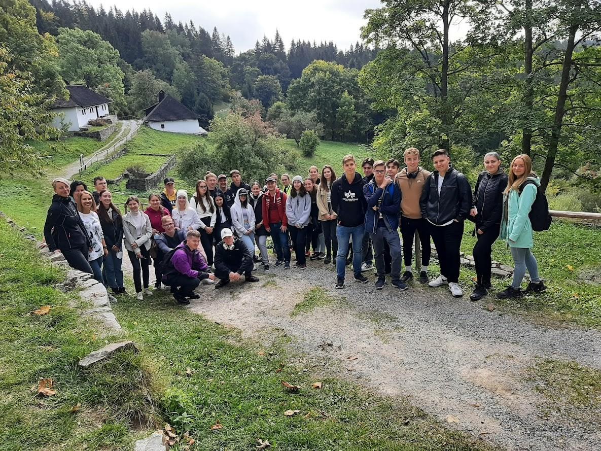 Dejepisná exkurzia – po miestach nacistických represálií na strednom Slovensku